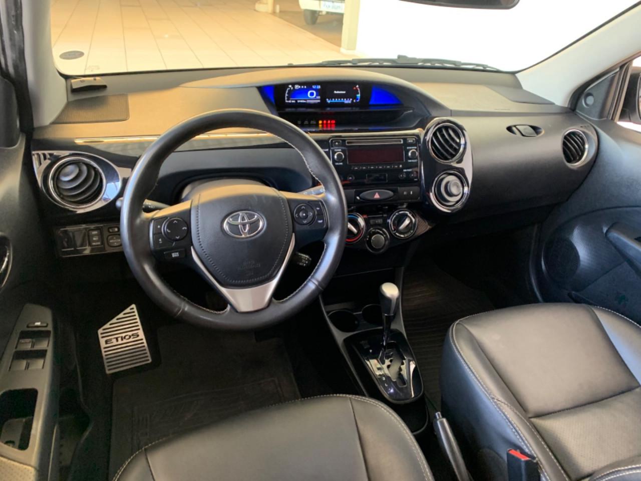 Etios Sedan 1.5 16V 4P FLEX X PLUS AUTOMÁTICO