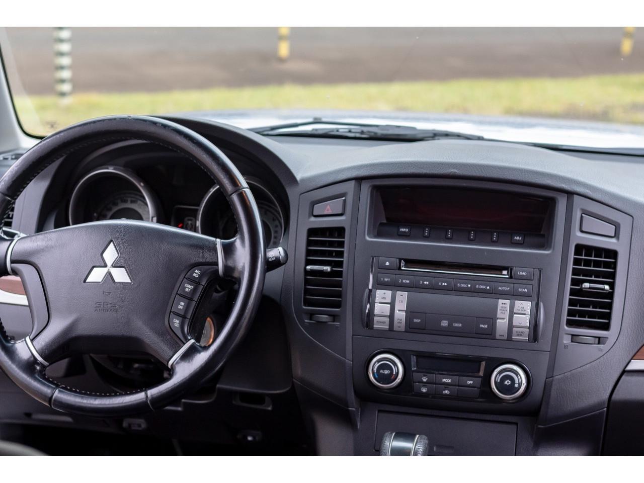 Pajero Full 3.2 16V 4P HPE 4X4 TURBO DIESEL AUTOMÁTICO