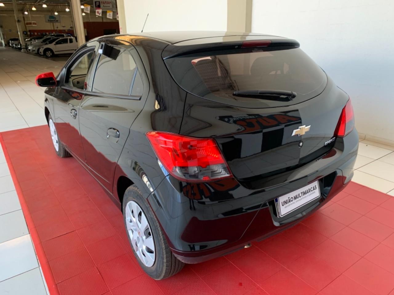 Onix Hatch 1.4 4P FLEX LT